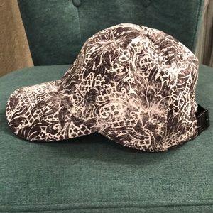 Lululemon runner's hat